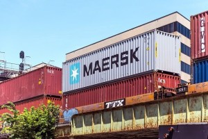 Maersk_Container_Shipping_592_395_84_c1_592_395_84