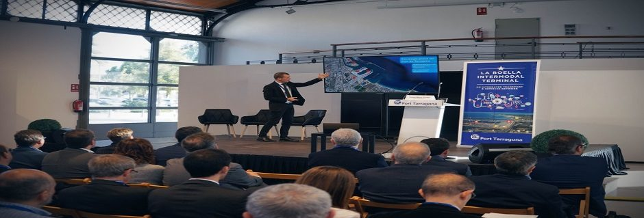 150 professionals attended the first edition of Rail Day, revolving around intermodality to achieve more competitive ports.
